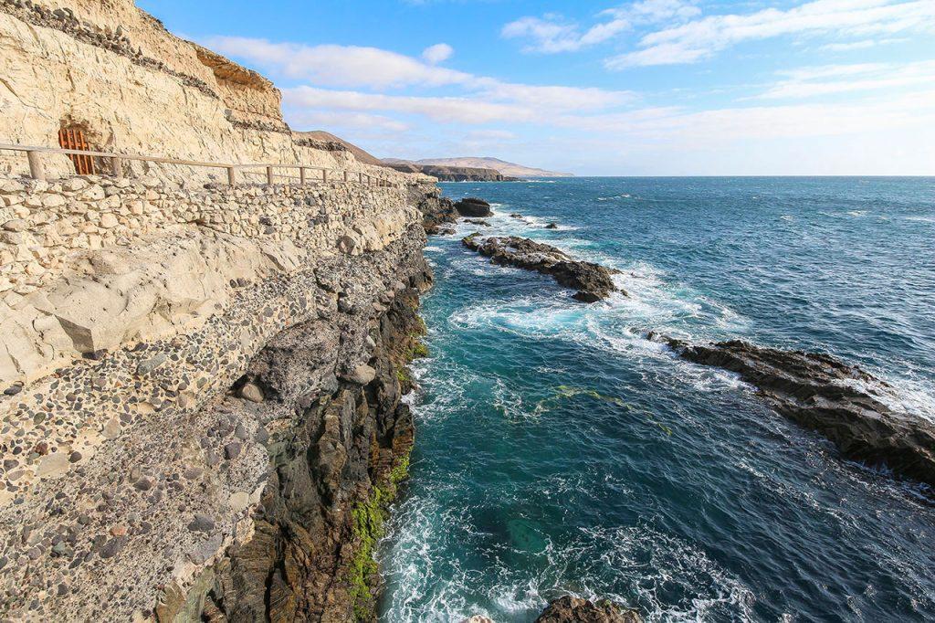 Fuerteventura Caleta Negra Kalkfelsen Landschaft am Meer